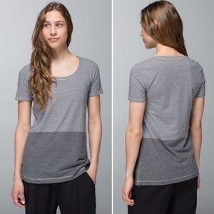 Lululemon every yogi tee 6 grey stripe